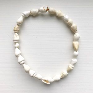 Jewelry - Boho & beachy white and cream sea shell bracelet